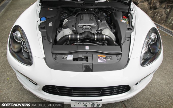 Cayenne-Turbo-S-09