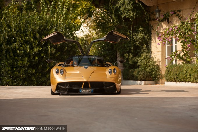 Pagani Huayra feature car-5