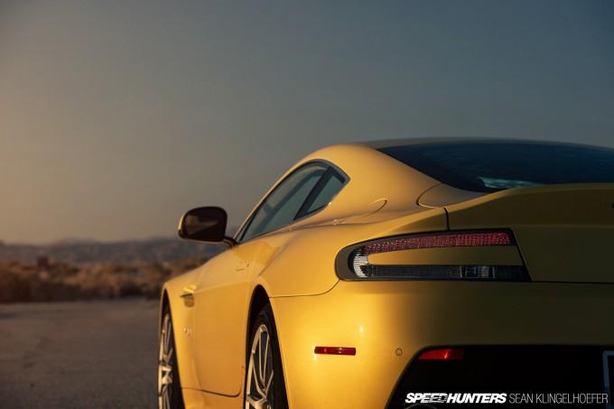 Aston-Martin-Vantage-V12-S-03