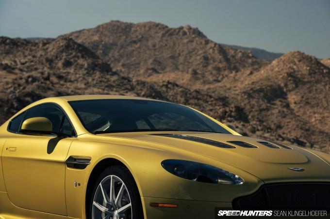 Aston-Martin-Vantage-V12-S-15
