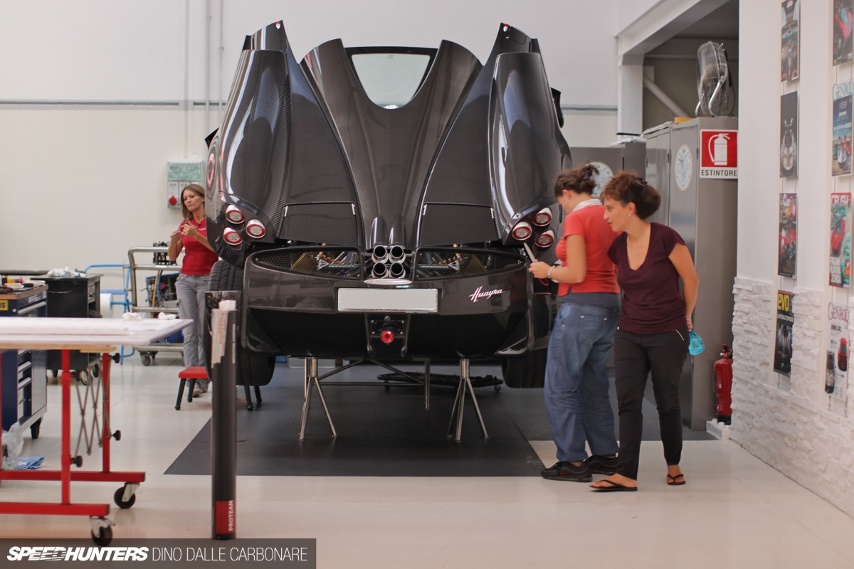 how to draw a pagani huayra step by step