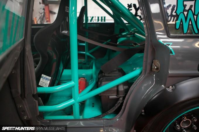Huxley Motorsport Volvo 240-35