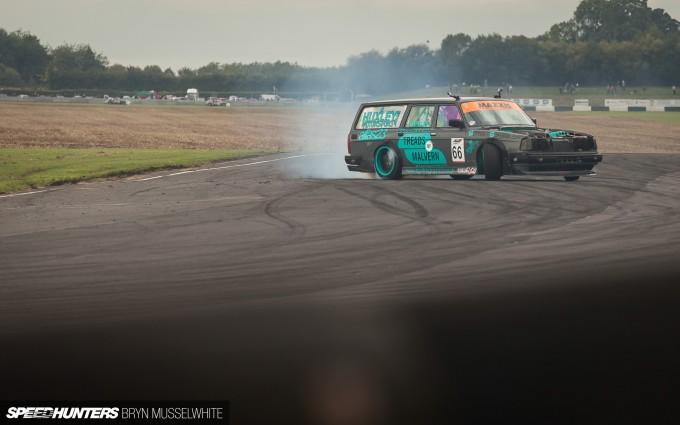Huxley Motorsport Volvo 240-7