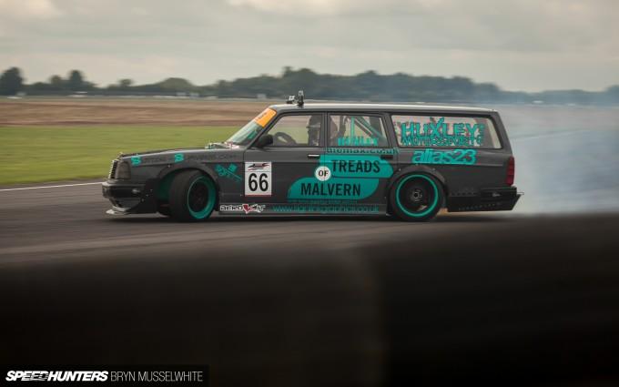 Huxley Motorsport Volvo 240-8