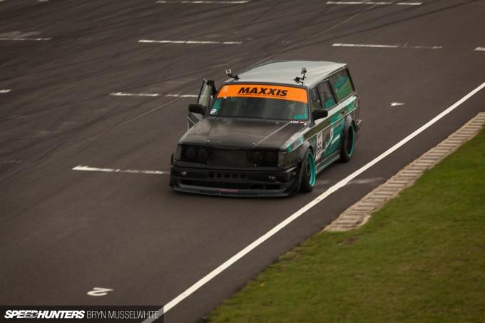 Huxley Motorsport Volvo 240-9