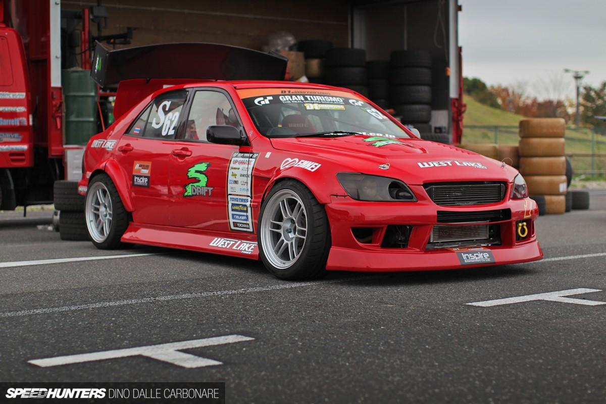 7×5 Spotlight: The Cars ofD1