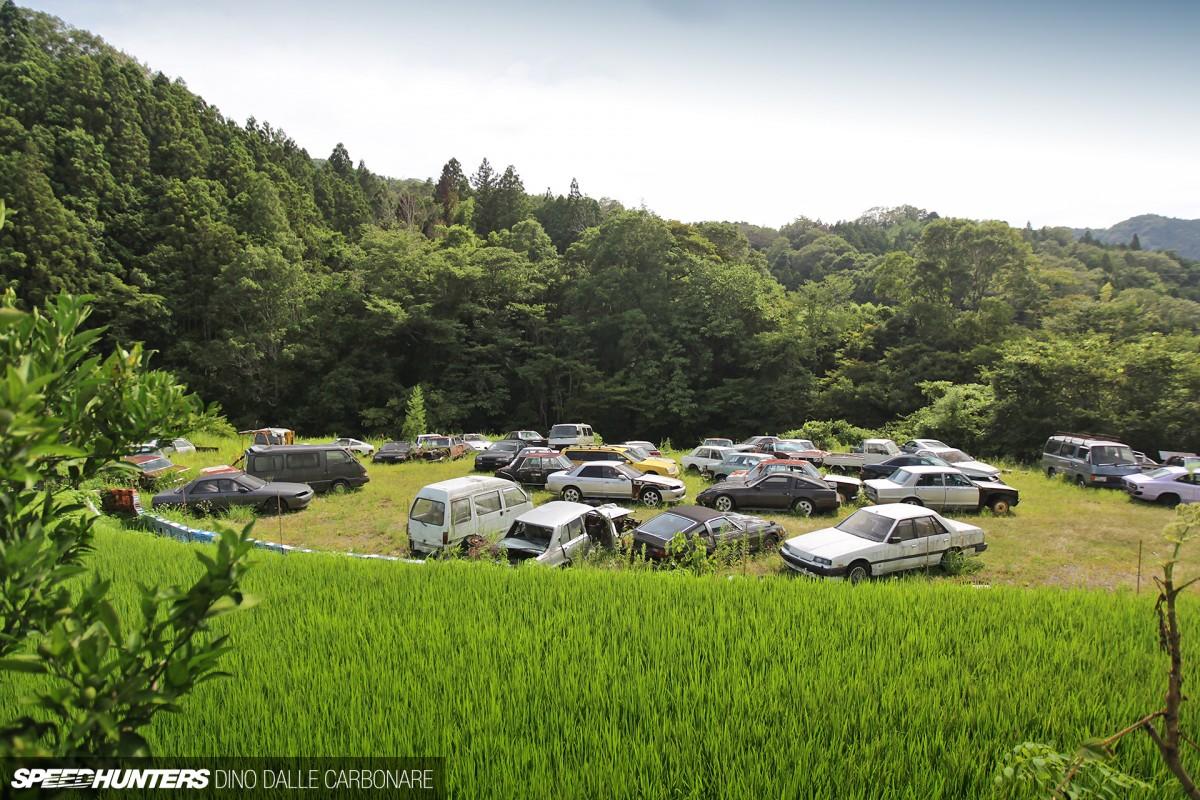 Kyusha-Cemetery-01