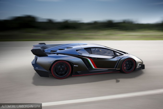 Lamborghini_Veneno-004