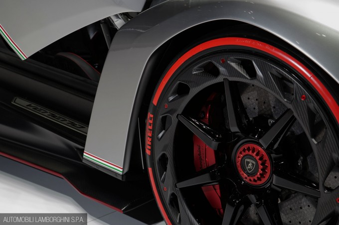 Lamborghini_Veneno-005
