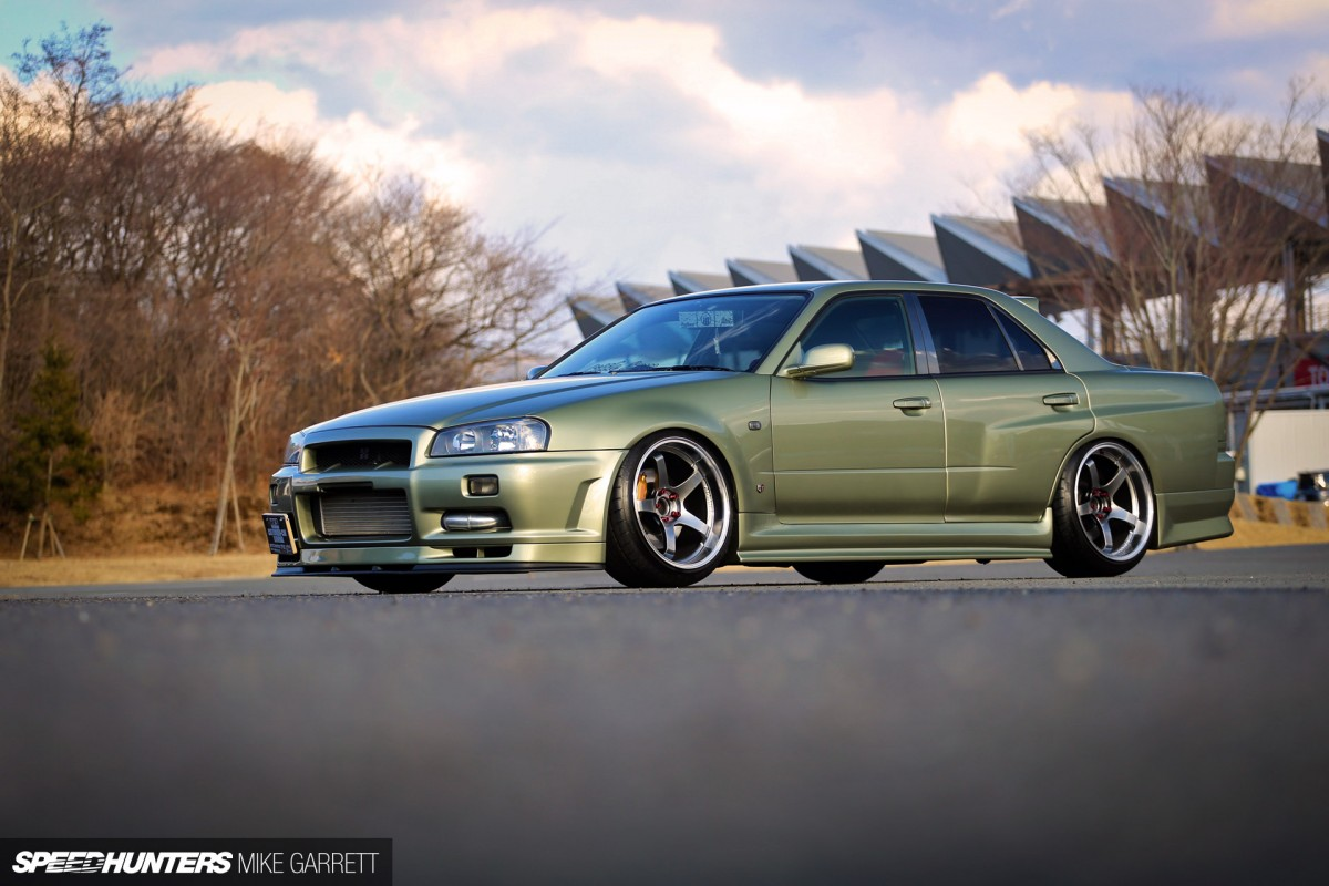 Sedan Love: An R34 With Room For More