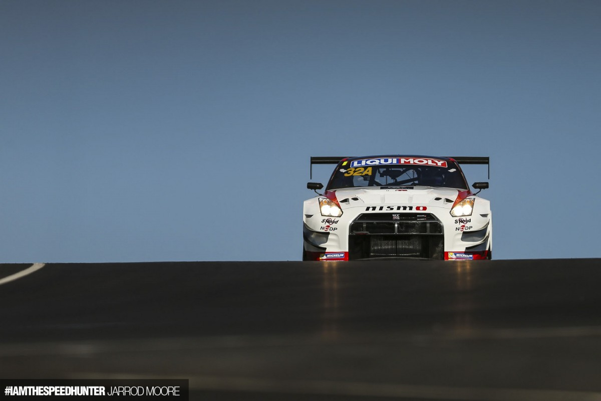 Man, Machine, Mountain:<br/>The Bathurst 12 Hours