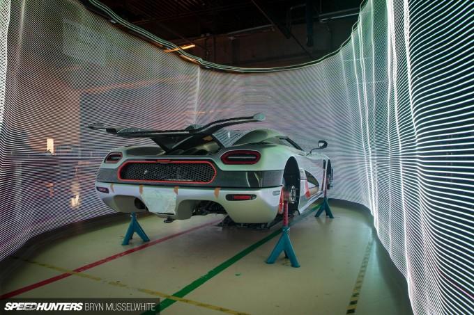 Koenigsegg One-1 Megacar-23