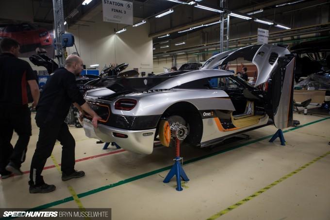 Koenigsegg One-1 Megacar-9