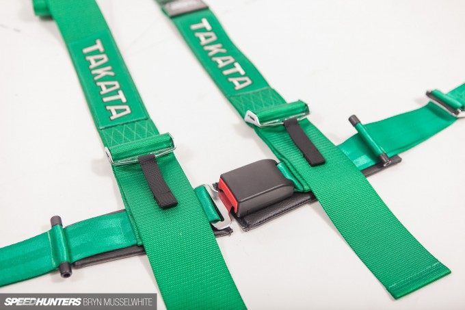 Takata Seats harnesses how to-6