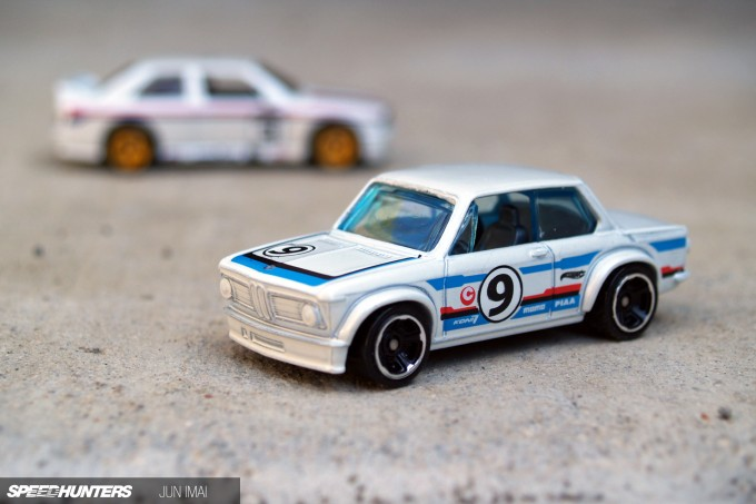 HOT_WHEELS_BMW2002