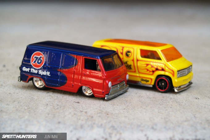 HOT_WHEELS_DODGEVANS