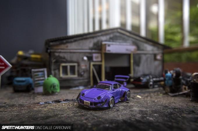 RWB-Miniature-03