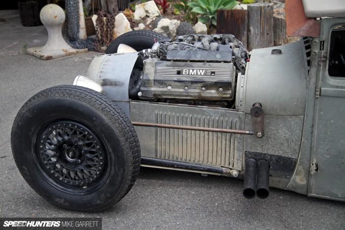 BMW-V8-01