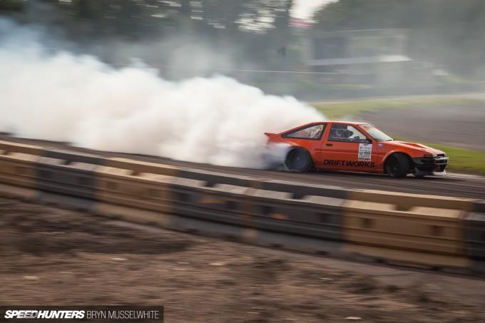 Driftworks AE86 V8 -1