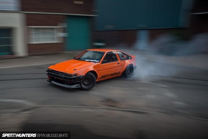 a Driftworks AE86 V8 -99