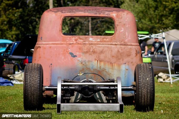 northern-showdown-works-garage-bagged-52-chevy-rear