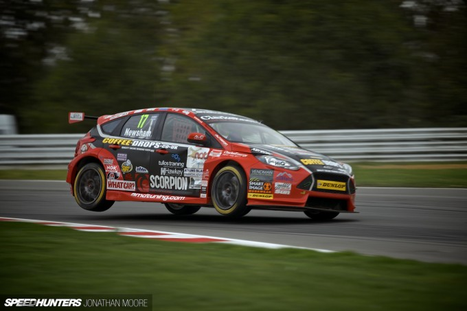 BTCC_Brands_Hatch_2014-004
