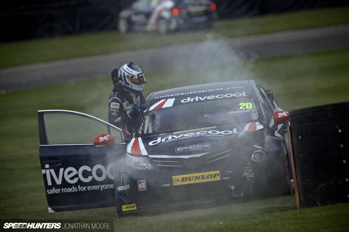 BTCC_Brands_Hatch_2014-005