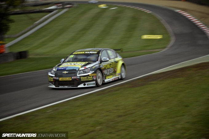 BTCC_Brands_Hatch_2014-009