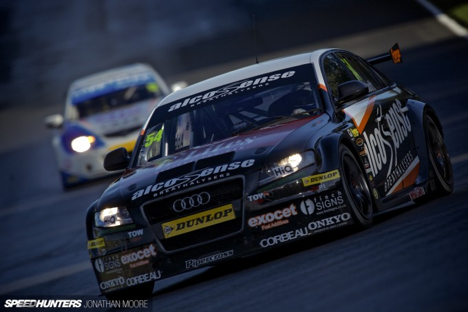 BTCC_Brands_Hatch_2014-010