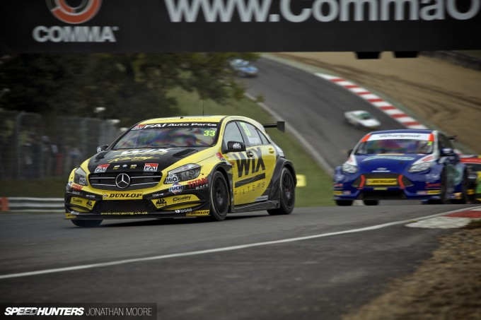 BTCC_Brands_Hatch_2014-016