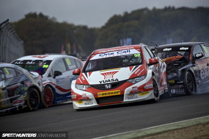 BTCC_Brands_Hatch_2014-018