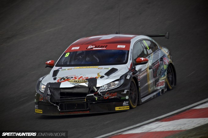 BTCC_Brands_Hatch_2014-050