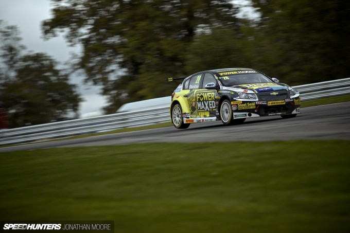 BTCC_Brands_Hatch_2014-056