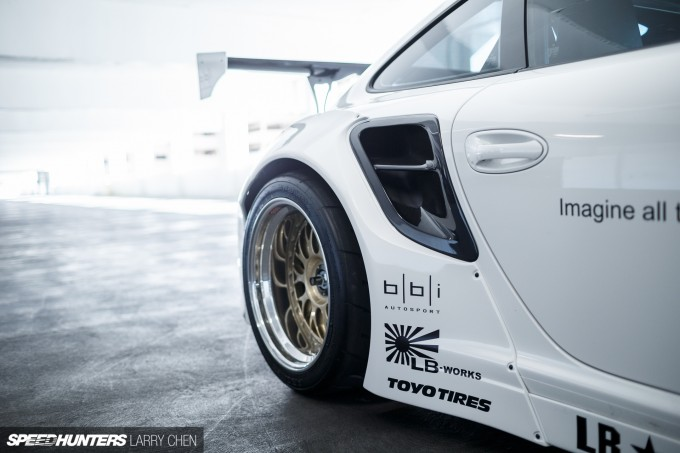 Larry_Chen_Speedhunters_libertywalk_997_Turbo-16