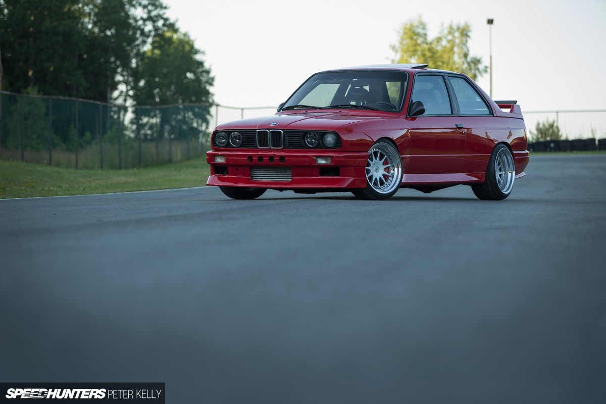 Smashing Tribute:<br /> The 900hp BMW M3 Clone