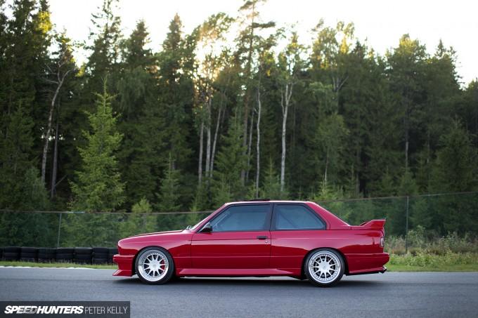 CarsOfNov14_BMW-E30-17