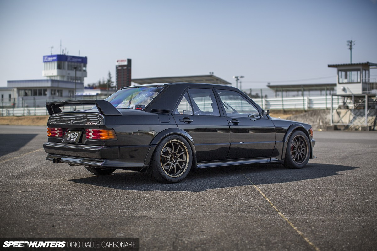 dtm aspirations the clever 190e 2 3 16 speedhunters. Black Bedroom Furniture Sets. Home Design Ideas