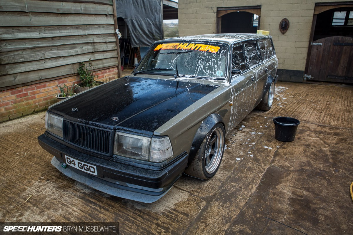 Strip club Volvo wagon update (4 of 13)