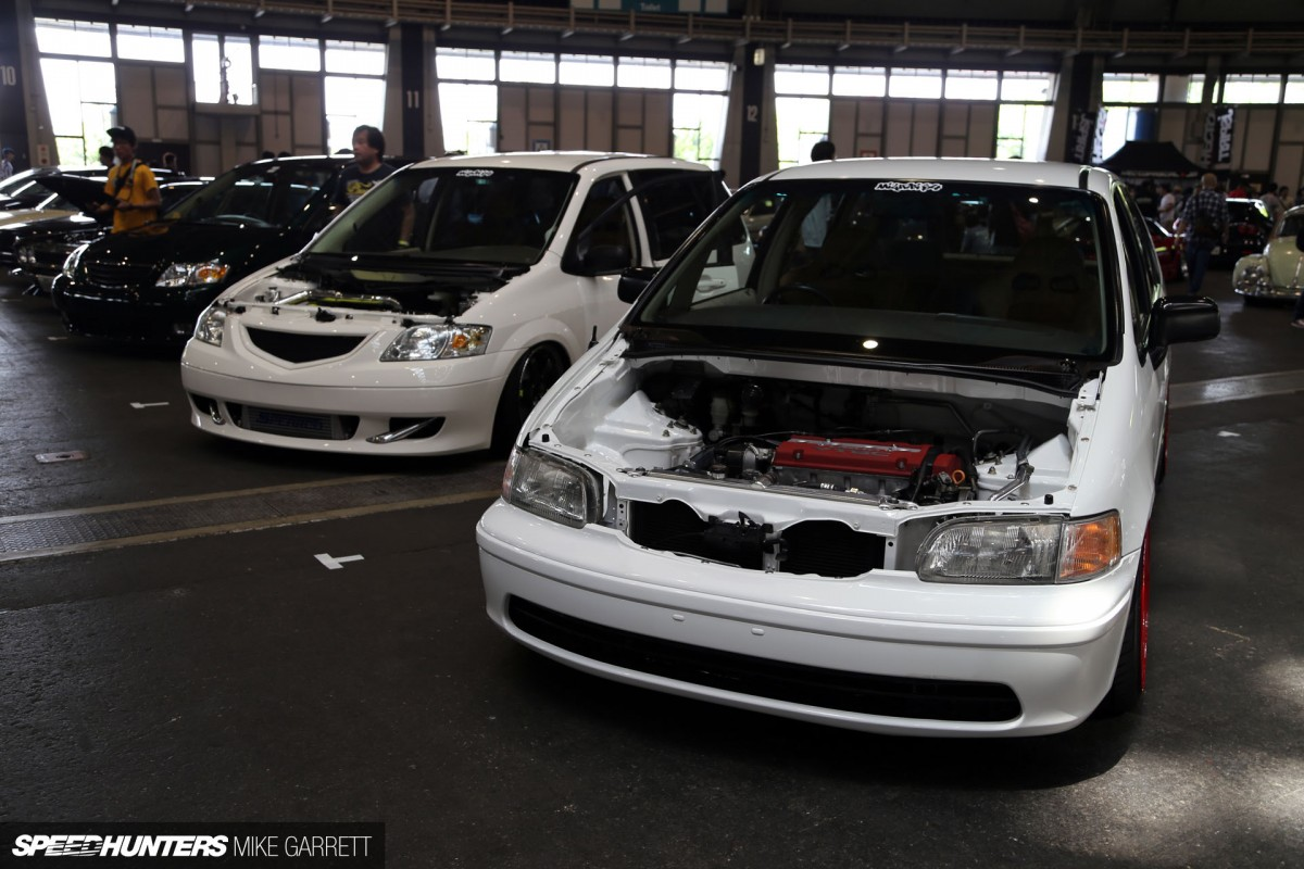 As evidence of this i want to share with you guys a first generation honda odyssey that s been built more along the lines of an s2000 or an integra than it
