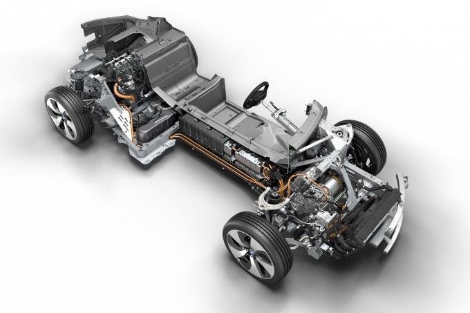 2015-BMW-i8-Cutawayjpg