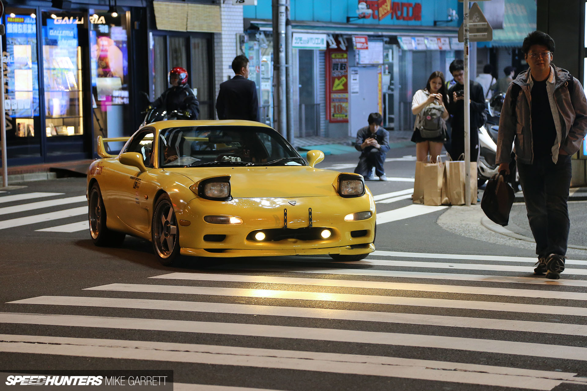 Tokyo s new hotspot akb car spotting
