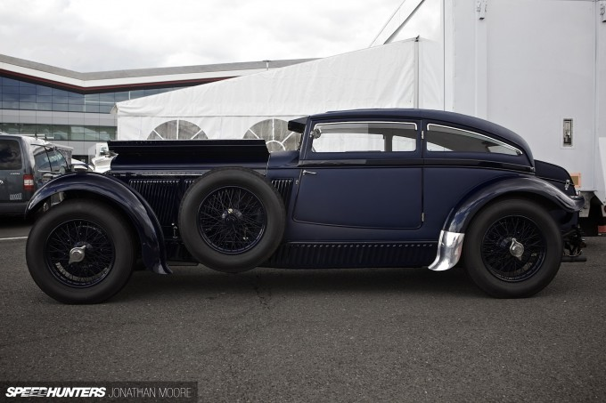 Silverstone_Classic_2015-Bentley_Blue_Train-002