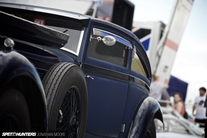 Silverstone_Classic_2015-Bentley_Blue_Train-003