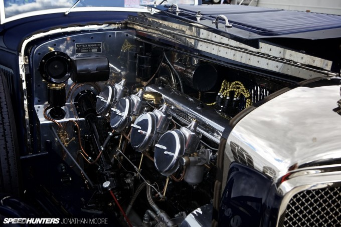 Silverstone_Classic_2015-Bentley_Blue_Train-009