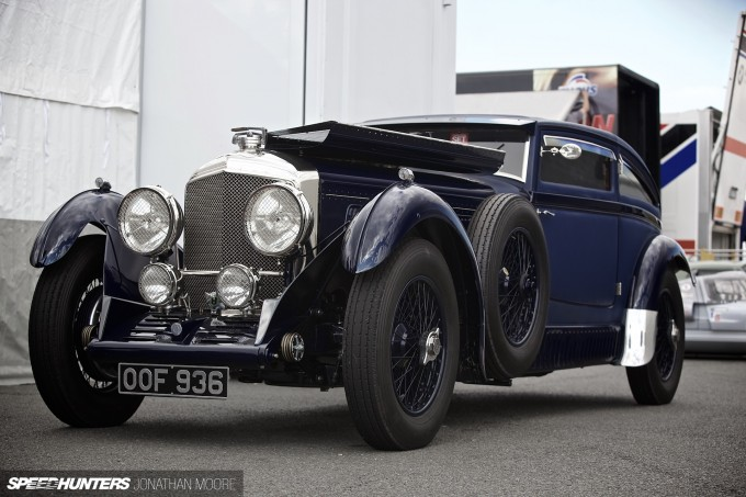 Silverstone_Classic_2015-Bentley_Blue_Train-015