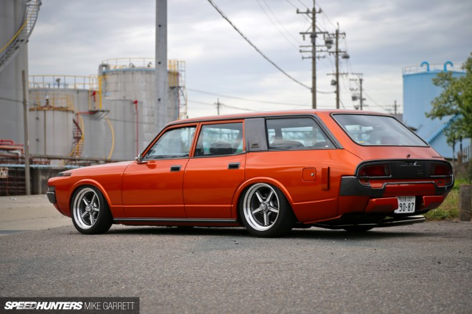 V8-Crown-Wagon-3 copy