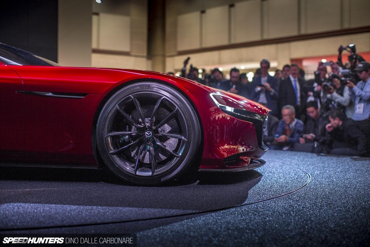 http://speedhunters-wp-production.s3.amazonaws.com/wp-content/uploads/2015/10/28004501/Mazda-RX-Vision-03-1200x800.jpg