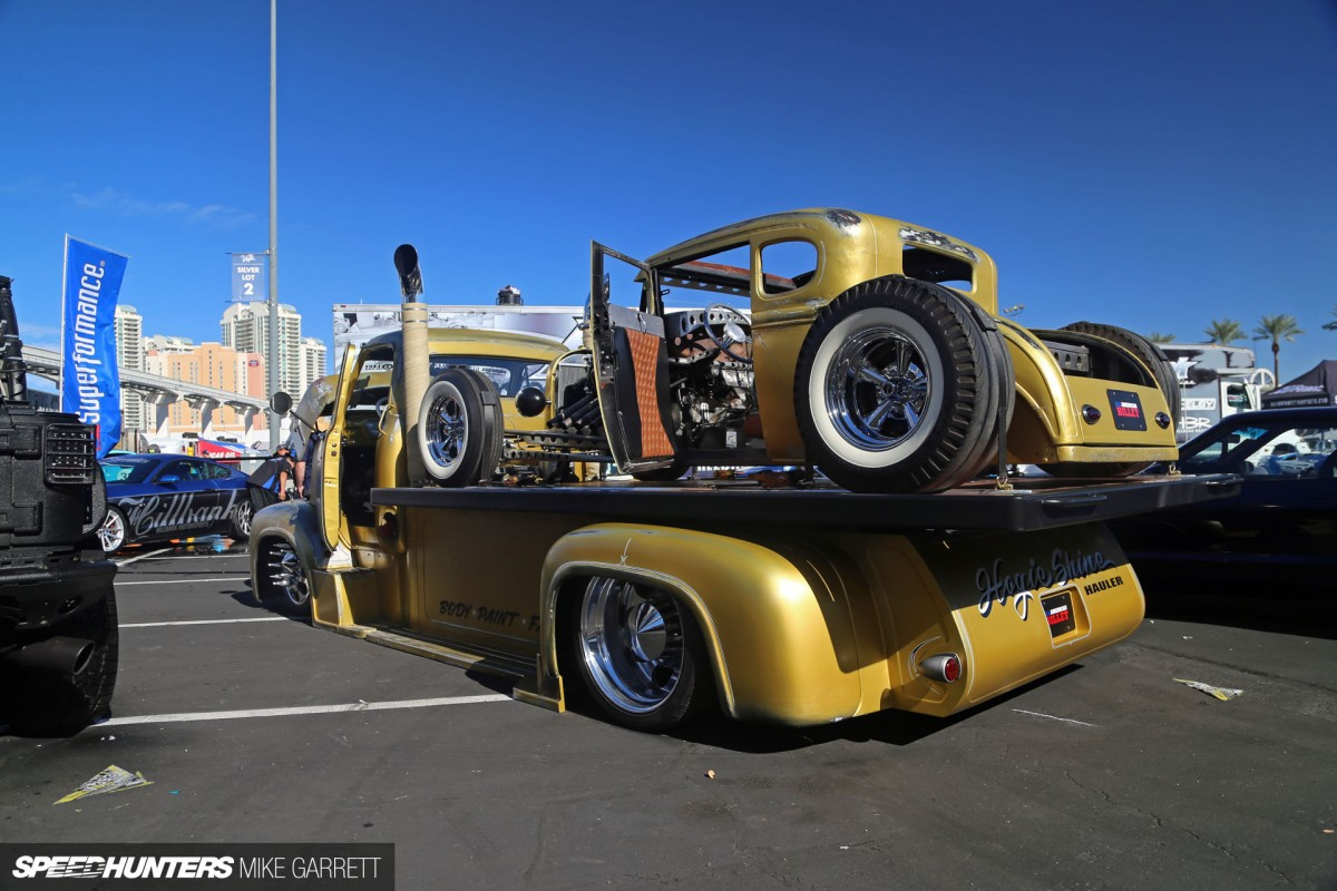 Hauling To SEMA In Style