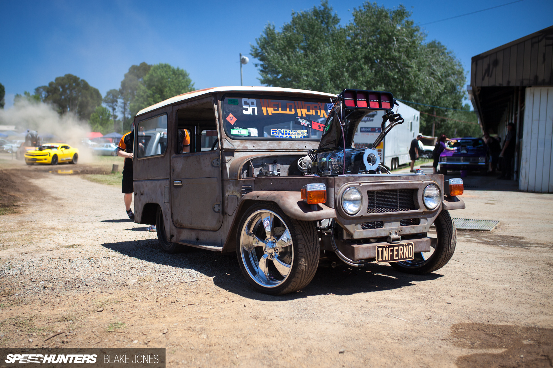 the fj40 smoke machine speedhunters. Black Bedroom Furniture Sets. Home Design Ideas