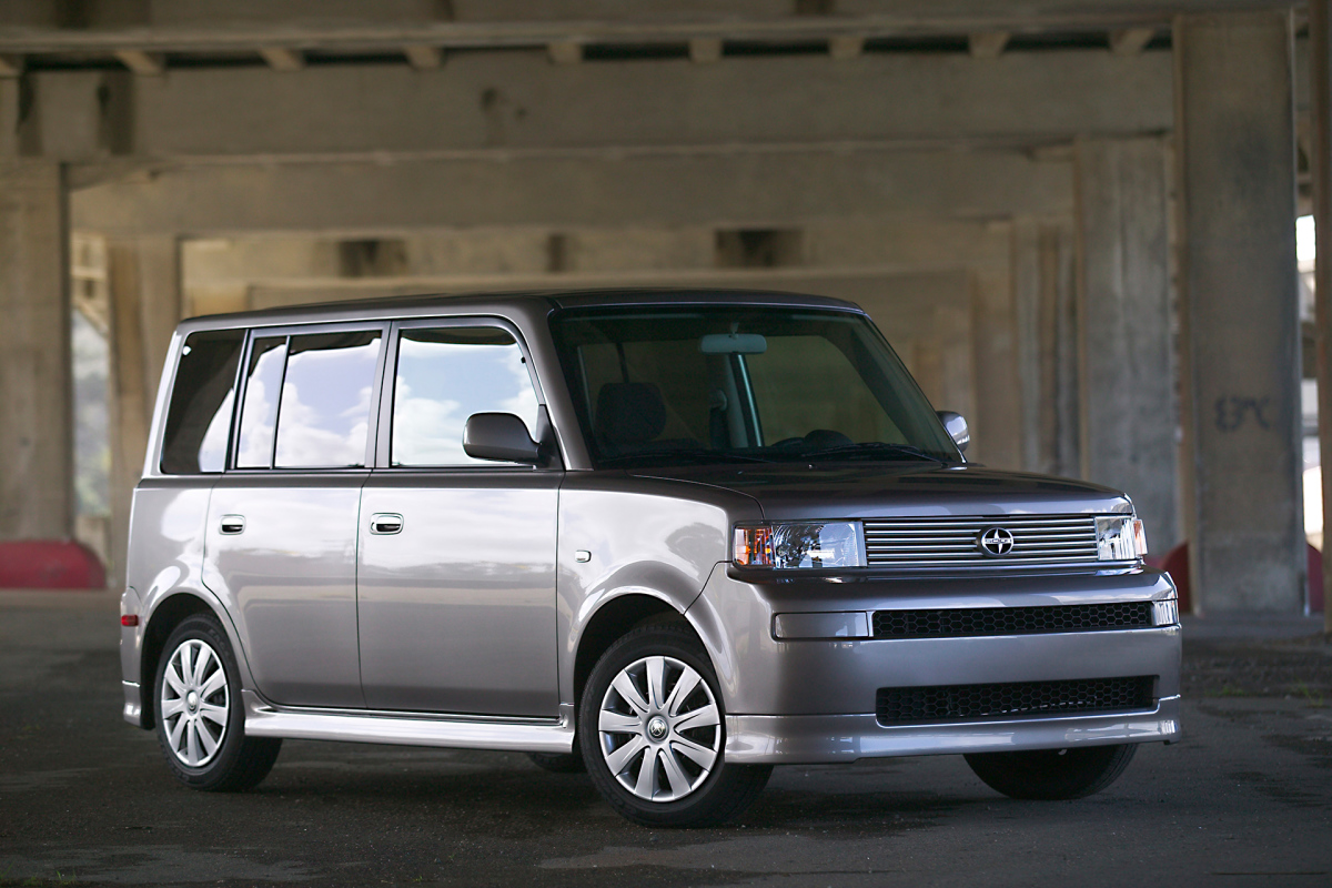 08_2005_scion_xb